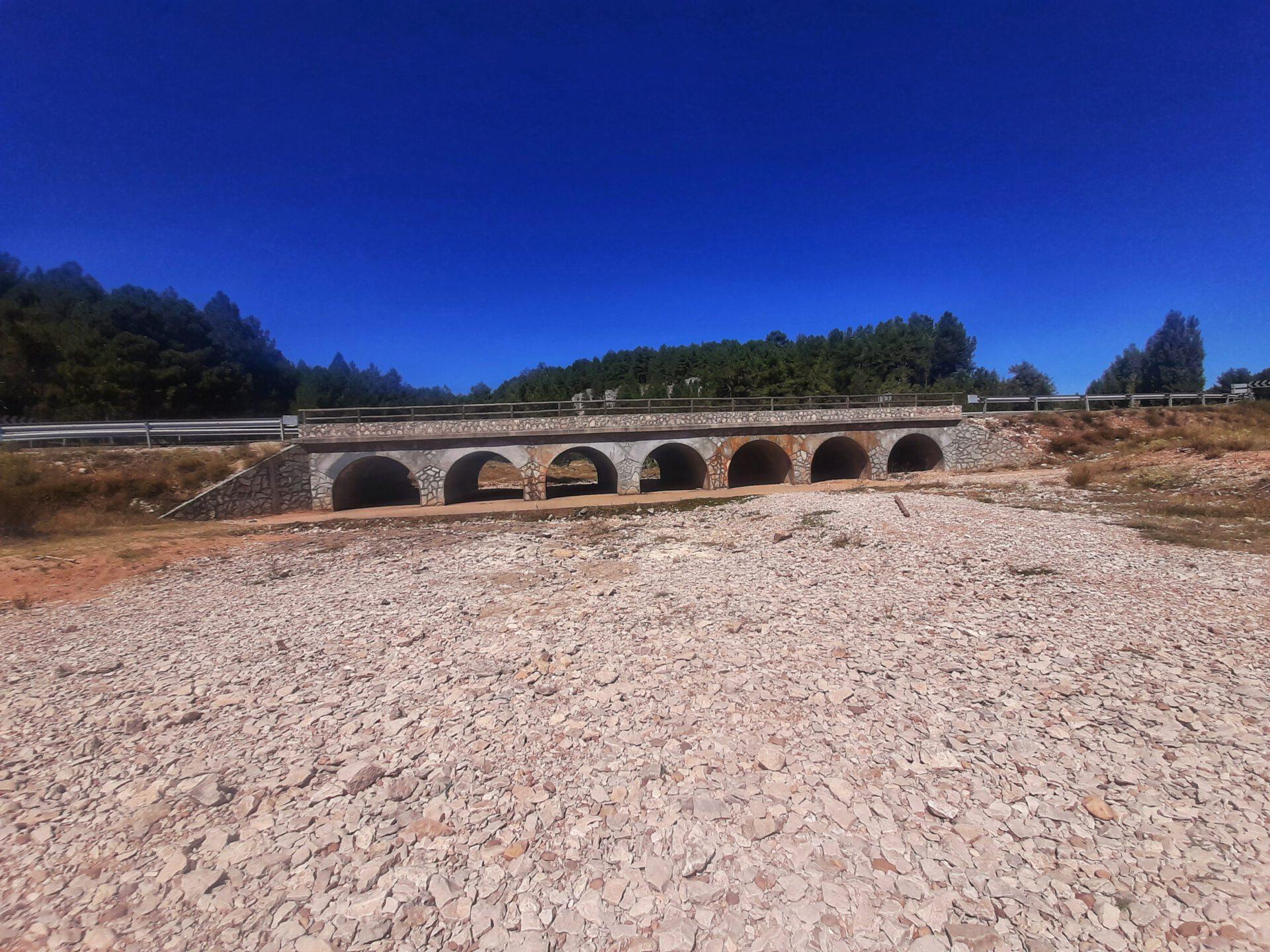 Puente_de_los_siete_ojos