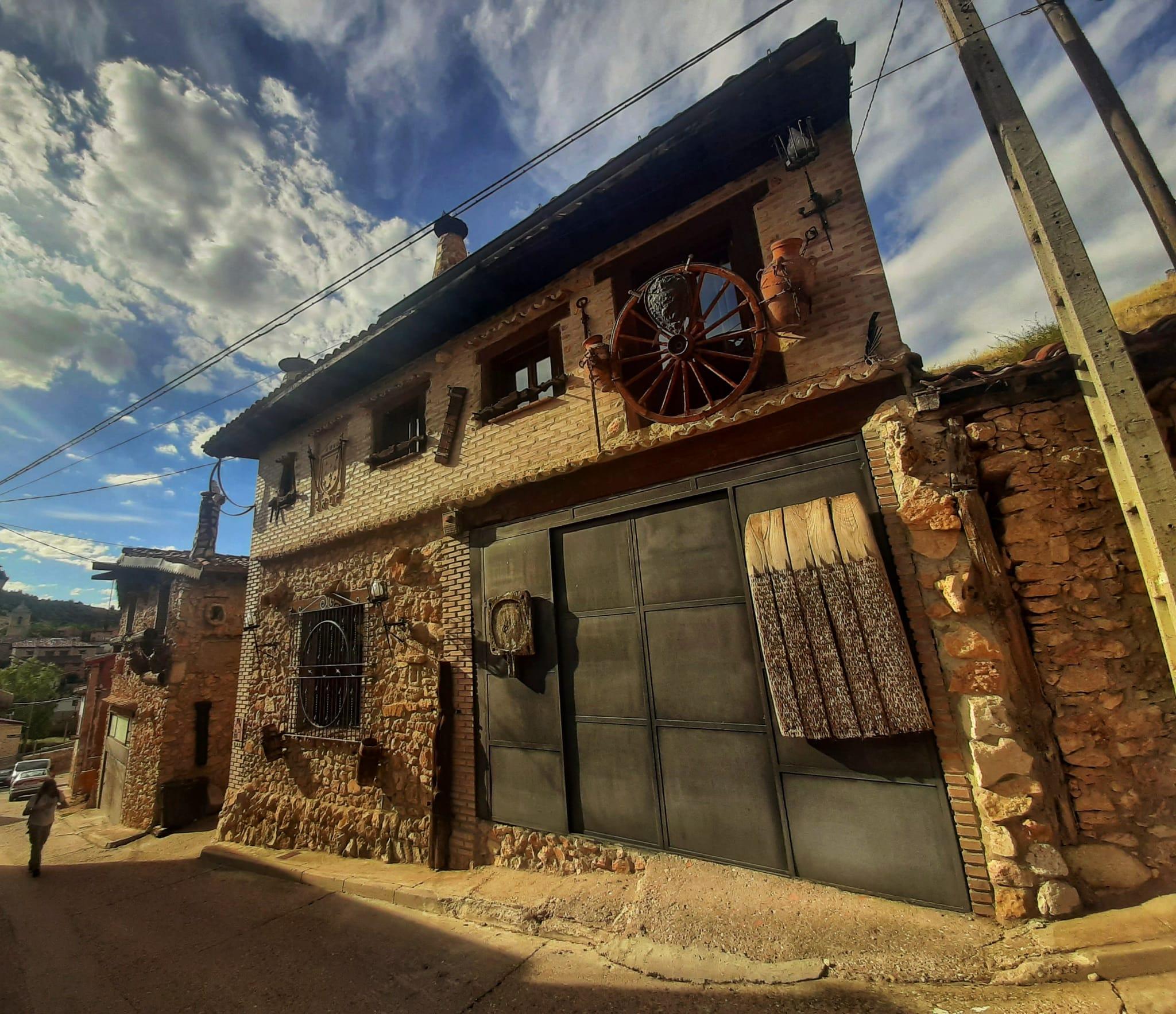 casa_en_ucero_camino_del_castillo