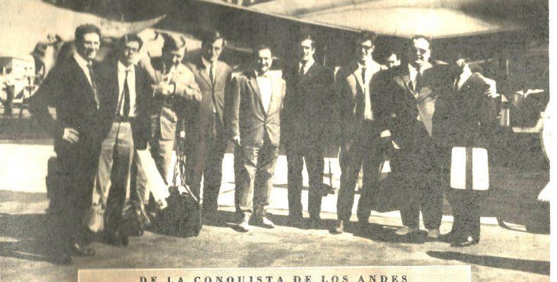 Integrantes de la expedición a su llegada a Barajas